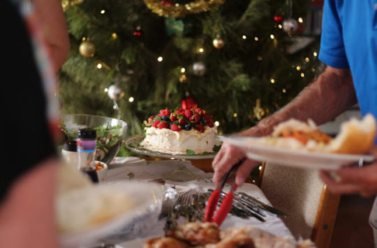 How to Eat Healthy During the Holidays and Still Indulge In Your Favorite Foods